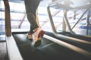s_cardio-running-on-a-treadmill-picjumbo-com